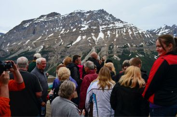 Back up a sec - look at the busloads of tourists! Peyto Lake