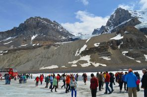 More tourists! Another glacier above