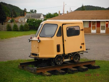 Alex's Photo of a cute little... caboose?